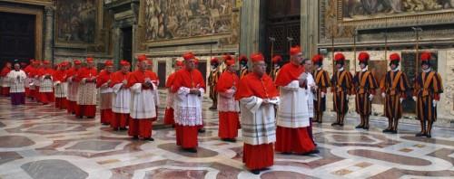 Il saluto del Papa e per i cardinali inizia il pre-Conclave