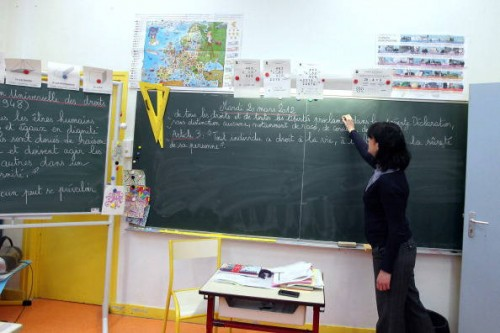 Teacher Sandrine Teboul writes a text on