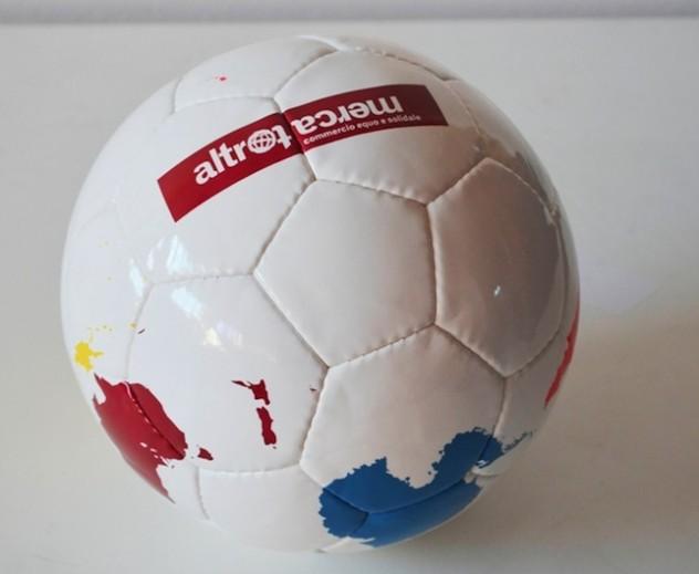 Pallone Altromercato