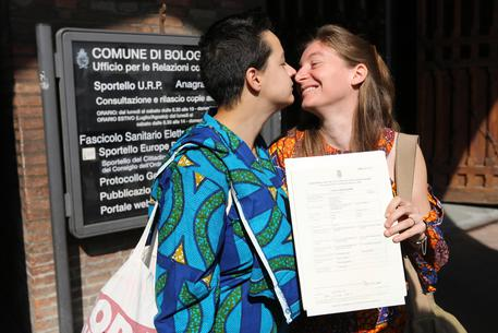 >>>ANSA/NOZZE GAY: STOP PREFETTO BOLOGNA. SINDACO,'BATTAGLIA CIVILTÀ'