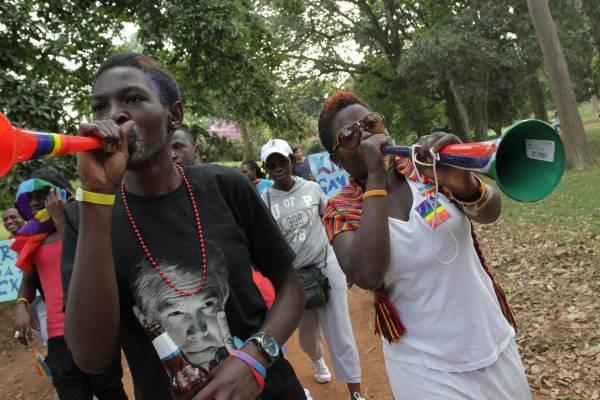 Gay: Uganda, presidente Museveni promulga legge repressione
