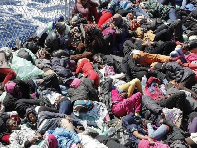 Ancora immigrati, a migliaia, sbarcano sulle coste italiane