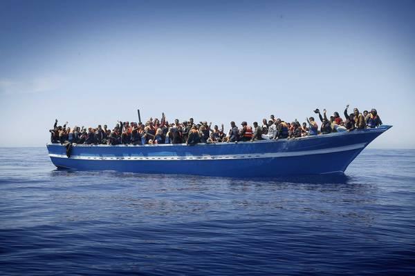 Immigrazione: motopesca con trentina morti, arrivo domani