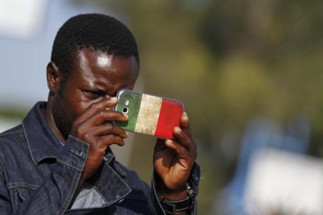 Immigrati: partito corteo a Castel Volturno, 'Stop Razzismo'