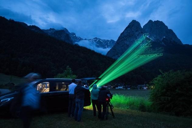 G7 Projection on Alps Mountains near Schloss Elmau Projektion beim G7 Gipfel in Schloss Elmau