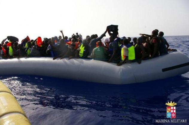 Immigrazione: 590 migranti soccorsi ieri da Marina militare