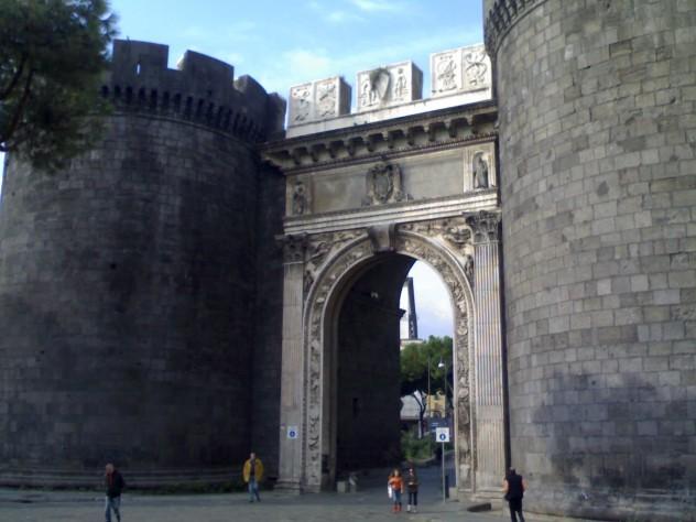 Porta_Capuana