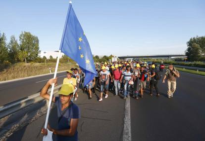 2015-09-04T162901Z_2137690922_LR2EB9419S1QP_RTRMADP_3_EUROPE-MIGRANTS-HUNGARY_MGTHUMB-INTERNA