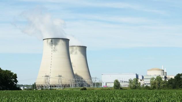 nuclear-396435_1280