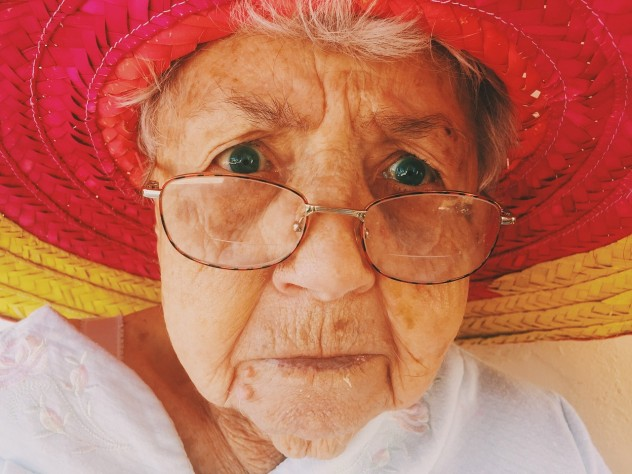 old-woman-945448_1280
