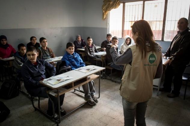 AVSI-Campi-profughi-siriani-Libano-by-Roberto-Masi