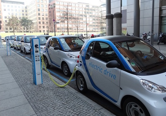 electric-car-674862_640