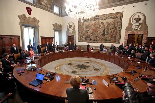 Primo consiglio dei ministri del governo Renzi, Roma 22 febbraio 2014. ANSA/ALESSANDRO DI MEO