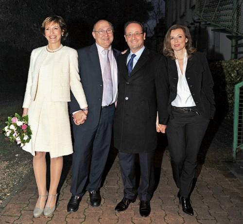 Da sinistra la sposa Valérie de Senneville e lo sposo Michel Sapin, il testimone François Hollande con la compagna Valérie Trierweiler