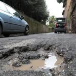 Roma Buche e voragini dopo la pioggia dei giorni scorsi