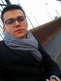 (Radu Alexandru Anastasoaei è arrivato in Italia nel 2001 e oggi è al suo primo lavoro come commerciale)