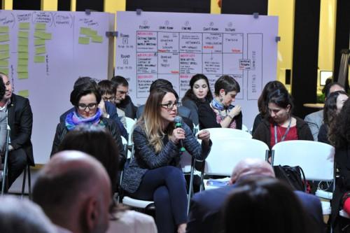 (Noa Segre, ex responsabile investor relators del fondo JVC, durante un intervento pubblico)