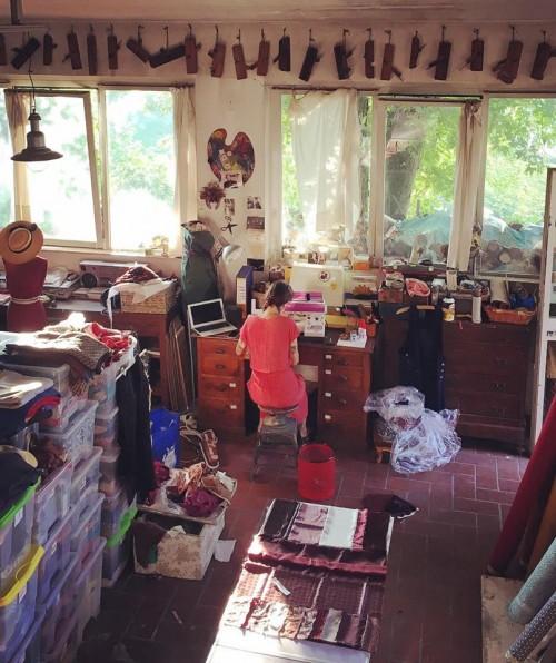 (Giraeririga Lab è il laboratorio di sartoria di Germana Pedroni)