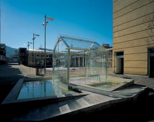 Le parole scaldano, 2004, vetro, inox, acqua