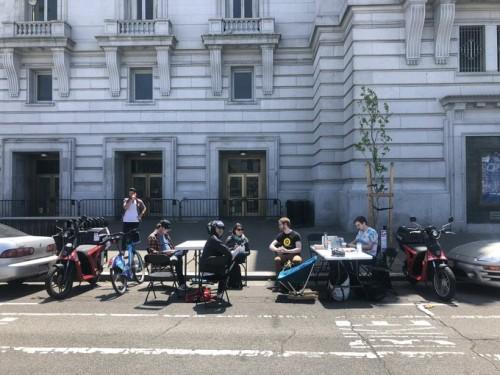 (Lavoratori in un parcheggio a San Francisco - fonte WePark via Twitter)