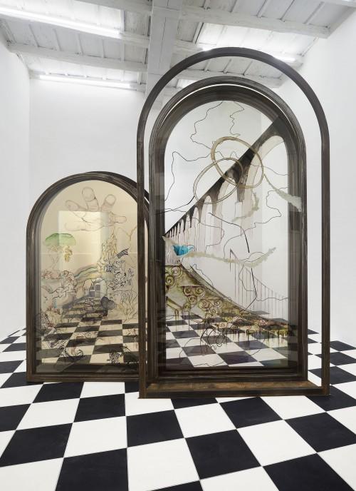 Gaia Di Lorenzo, Breve storia di una spugna, 2019 iron, acrylic paint on polycarbonate 260 x 60 x 250 cm