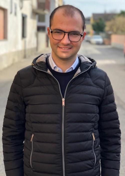 (Cesare Calabrese a 26 anni, è già sindaco di Ticineto, Alessandria)