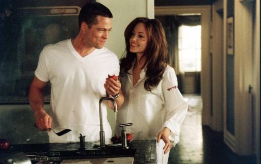 Brad Pitt e Angelina Jolie in Mr. & Mrs. Smith (2005) di Doug Liman, il primo film girato insieme e in cui si sono innamorati