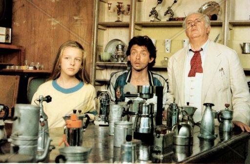 Viola Simoncioni, Paolo Rossi e Dario Fo in una scena di Musica per vecchi animali (1989) di Stefano Benni e Umberto Angelucci