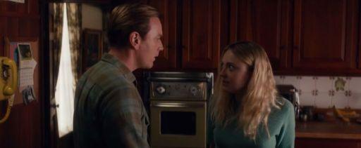 Ewan McGregor con Dakota Fanning, Merry, la figlia dello Svedese, protagonista di American Pastoral (2016)