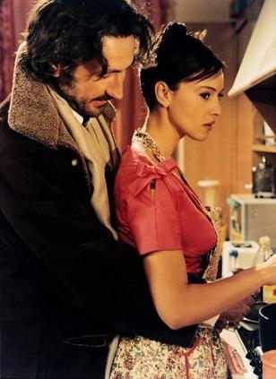 """Marco Giallini e Monica Bellucci in """"L'ultimo capodanno"""""""