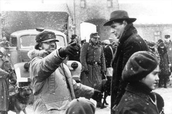 """Spielberg durante le riprese di """"Schindler's List"""" (1993)"""
