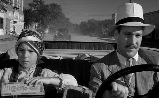 Tatum O'Neal (53 anni) con il padre Ryan (75) in Paper Moon (1973) di Peter Bogdanovich che a 10 anni le valse l'Oscar 1974 alla migliore attrice protagonista