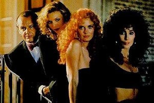 Jack Nicholson con Michelle Pfeiffer, Susan Sarandon e Cher ne Le streghe di Eastwick (1987) di George Miller