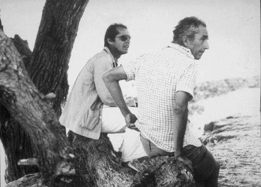 Jack Nicholson con Michelangelo Antonioni durante la lavorazione di Professione: reporter (1975) di Michelangelo Antonioni