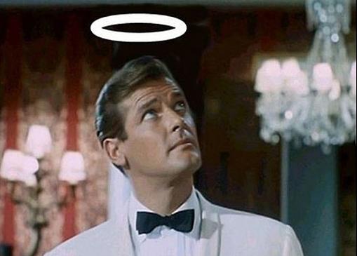 Roger Moore nei panni di Simon Templar, protagonista dell'omonima serie tv inglese trasmessa dal 1962 al 1969