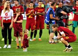 Roma, l'addio al calcio giocato di Francesco Totti