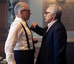 Fabrizio Bentivoglio (il ministro Restivo) faccia a faccia con il presidente del Consiglio Giovanni Leone (Luca Zingaretti)
