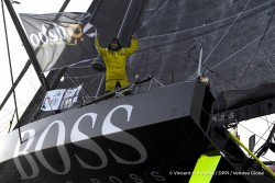 finish-arrival-of-alex-thomson-gbr-skipper-hugo-boss-2nd-place-of-the-sailing-circumnavigation-solo-race-vendee-globe-in-les-sables-d-olonne-france-on-january-20th-2017-photo-vincent-curutchet-dppi-vendee-globearrivee-de-alex-thomson-gbr-r-