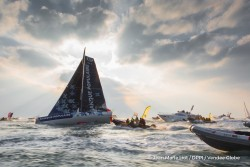 finish-arrival-of-armel-le-cleac-h-fra-skipper-banque-populaire-viii-winner-of-the-sailing-circumnavigation-solo-race-vendee-globe-in-74d-3h-35min-46sec-in-les-sables-d-olonne-france-on-january-19th-2017-photo-jean-marie-liot-dppi-vende (1)