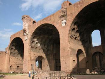 basilica massenzio.JPG
