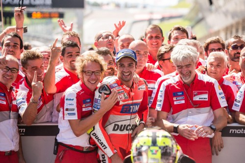 epa05483257 Italian MotoGP rider Andrea Iannone from the Ducati Team and his team celebrate winning the Motorcycle World Championship Grand Prix Austria at the Spielberg Ring in Spielberg, Austria, 14 August 2016. EPA/CHRISTIAN BRUNA