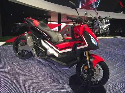 L'Honda X-ADV il primo scooter crossover, una delle novità dell'EICMA