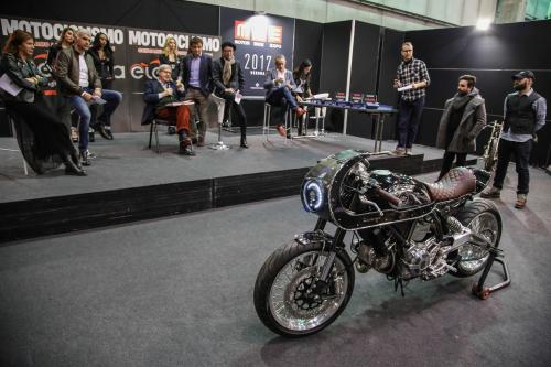 Un momento della premiazione del Concorso promosso dal mensile Motociclismo