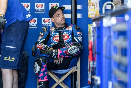 Sam Lowes in una pausa ai box di Phillips Island 2017