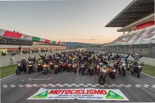 Il corteo di motociclisti al Mugello a sostegno della petizione per ridurre i pedaggi autostradali