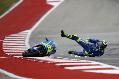 GP delle Americhe: la caduta di Andrea Iannone in qualifica (Milagro)