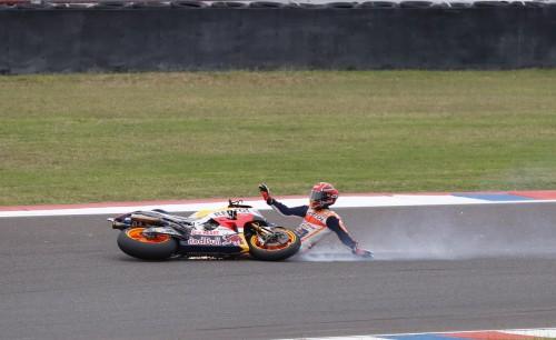Marc Marquez ha chiuso così la gara in Argentina (EPA)