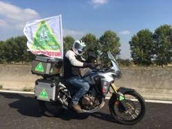 Federico Aliverti, direttore di Motociclismo verso il Mugello per consegnare le firme della petizione