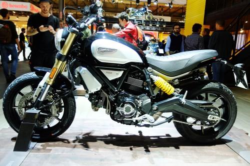 La nuova Ducati Scrambler 1200 oggetto del desiderio di giovani e di nostalgici
