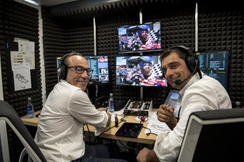 Da sinistra: Guido Meda con Mauro Sanchini in cabina di commento Sky